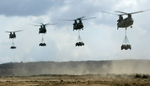 chinooks-in-vlucht_Noventas by MinDef