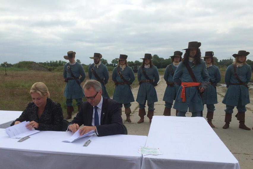 20140619-ondertekening-overeenkomst-marinierskazerne-vlissingen_Noventas by MinDef