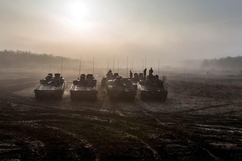Oefening Varpalota Hongarije met 43 Gemechaniseerde Brigade