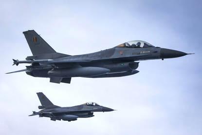 Rotterdam, 21 december 2012 Met een ondertekening wordt de F16 Quick Reaction Force samenwerking tussen Nederland, Belgie en Luxemburg bezegeld.
