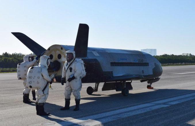 x37b_noventas-by-us-airforce