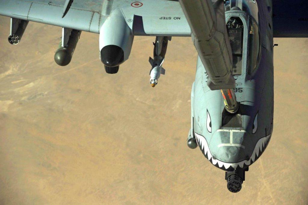 a-10c-thunderbolt-ii-krijgt-brandstof_noventas-by-mindef