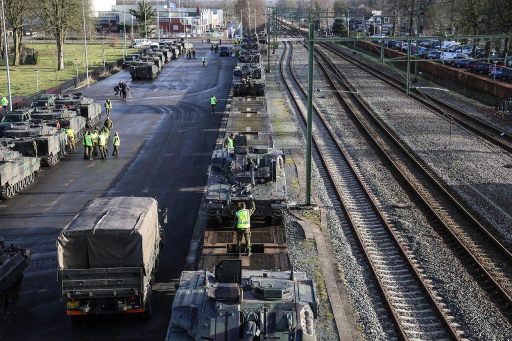 transport-cv90-pantserrupsvoertuigen-_noventas-by-mindef