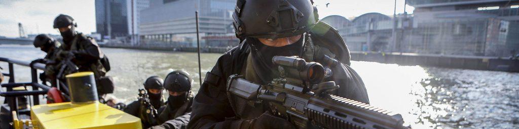 Rotterdam, 12 april 2016.Samengestelde Antiterreur oefening, Port Defender..