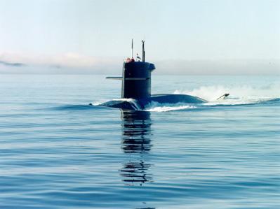 onderzeeboot-bruinvis-vlak-boven-de-waterspiegel_Noventas by MinDef