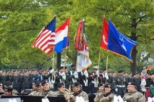 een-beeld-uit-de-herdenkingsceremonie-op-de-militaire-begraafplaats-in-margraten