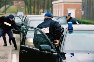arrestatieteam-van-de-marechaussee-in-actie_Noventas by MinDef