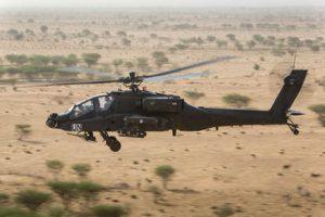 Mali, 07 juli 2015.Air 2 air opnames Apache helikopter boven het Malinees landschap