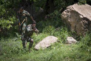 Irak, trainingslocatie Atrush, 03 mei 2017.Militairen van de luchtmobiele brigade training de peshmerga in de wide area security training. Deze training is gericht op de 'na Mosul-tijd; en meer bedoeld voor het in stand houden van gebied. Bron: defensie